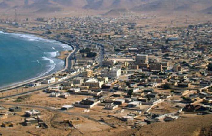 اتحاد عمال قطاع النفط والغاز الليبى يستنكر إغلاق الموانئ والحقول النفطية