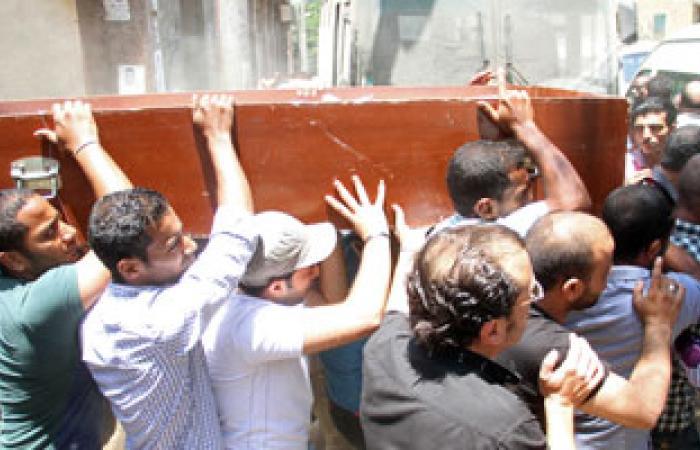 أهالى قرية السمطا بقنا يشيعون ضحايا مذبحة الأمس بعد تصريح الدفن