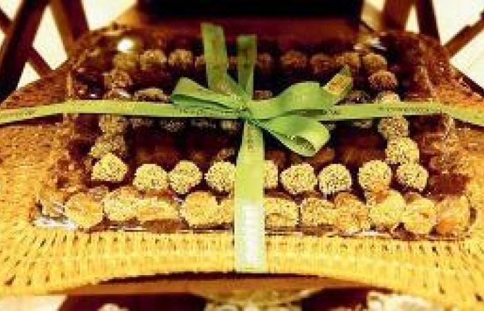 حلوى التمر .. هدية طيبة إلى دول الخليج