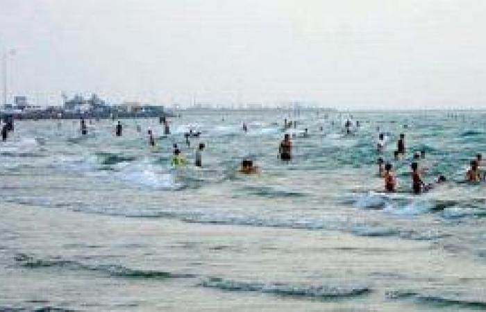 شواطئ القنفذة تجذب المتنزهين والزوار في العيد