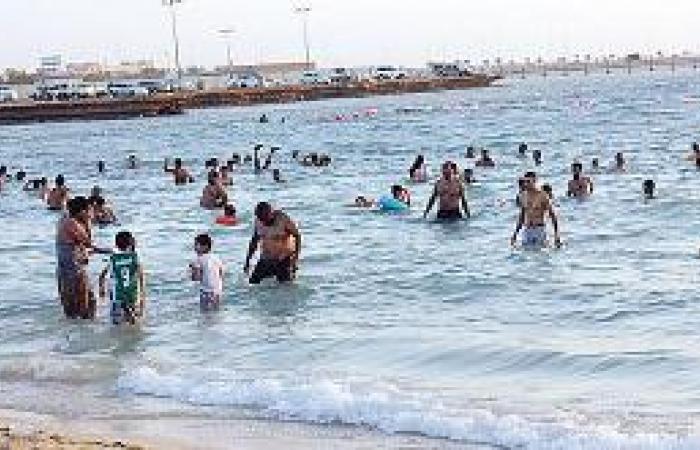 شواطئ ينبع تجذب المتنزهين في إجازة العيد