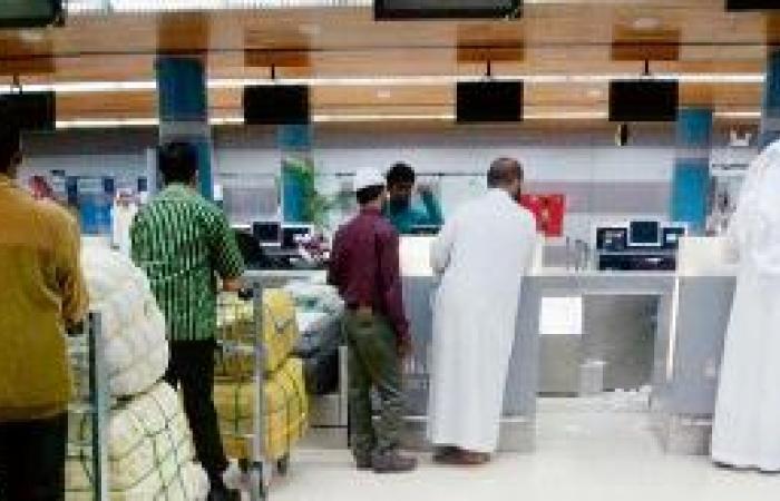 «موظفان» فقط لإنهاء إجراءات السفر في مطار أبها