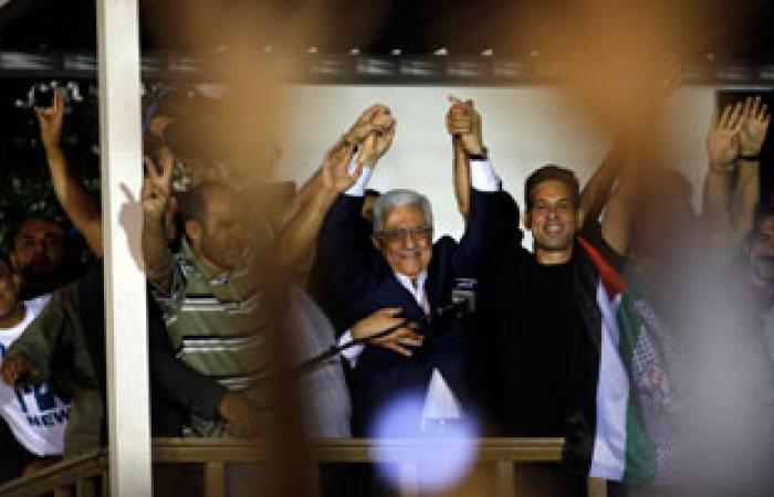 عباس يستقبل أسرى محررين ويقول هؤلاء هم المقدمة والبقية ستأتى