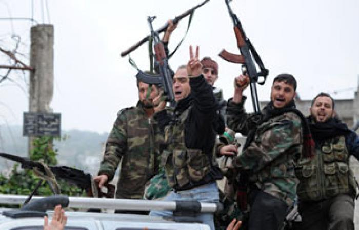 الجيش الحر يقصف نقاط تجمع للقوات الحكومية فى دير الزور بسوريا