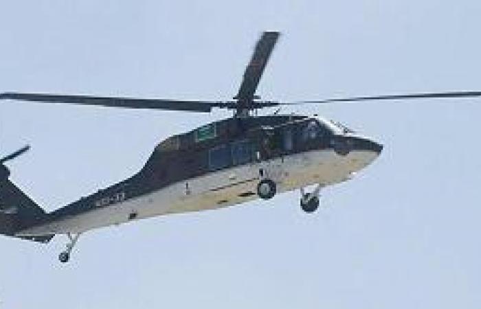 طيران الأمن يفك احتجاز شابين علقا في جبل سلب