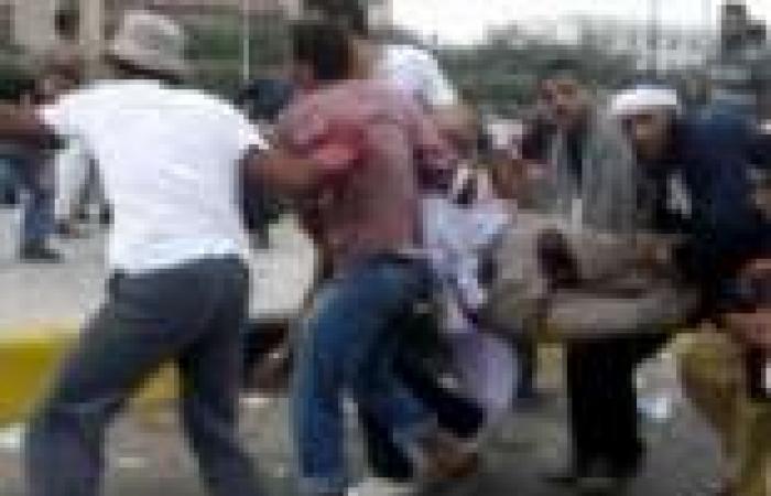 """قوات الأمن تسمح لمعتصمي """"رابعة"""" بنقل المصابين إلى سيارات الإسعاف"""