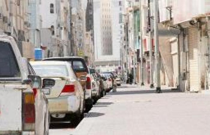 شارع قباء .. توسعة الرصيف على حساب الطريق