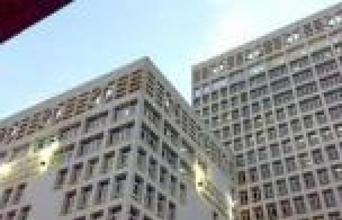 «الدفاع المدني» تخمد حريق وزارة المالية بعد تجدد اشتعال النيران في الطابق السابع