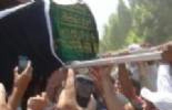 """الآلاف في البرلس يشيعون جثمان الجندي الذي استشهد في أحداث """"كرداسة"""""""