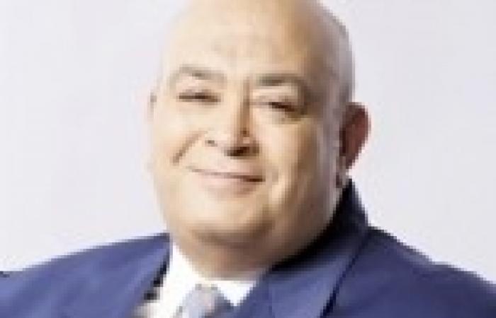 """عماد أديب: ما يتم حرقه في رمسيس هو مبنى """"بنك الدم"""" وليس """"المقاولون العرب"""""""