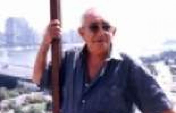 جنازة توفيق صالح من مسجد سيد مكاوي.. ودفنه بجوار نجيب محفوظ حسب وصيته