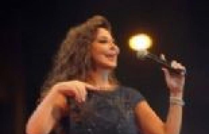 """بالصور  إليسا تتألق في مهرجان """"أعياد بيروت"""""""