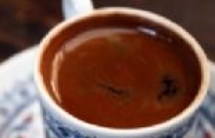دراسة: تناول 4 فناجين قهوة يوميا يزيد خطر الوفاة المبكرة