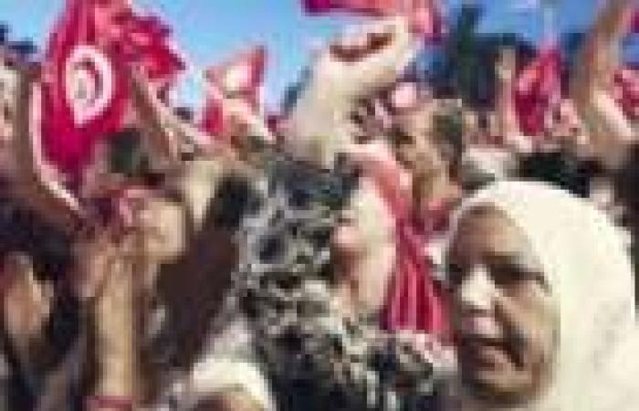 تونس.. «النهضة» تتراجع وتقترح حكومة وحدة وطنية.. والمعارضة ترفض