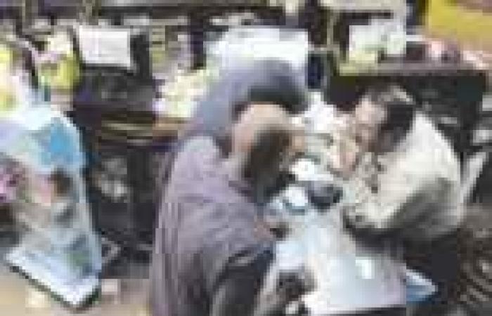 حملة «الإخوان» تثير مخاوف شركات الأدوية من نقص واردات الخامات