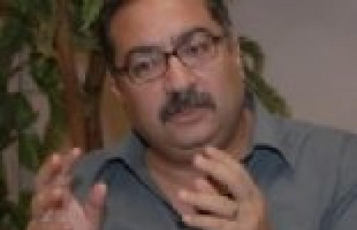 """إبراهيم عيسى للإخوان: """"أنا لو منكم اتصدم من تصريحات صفوت حجازي"""""""