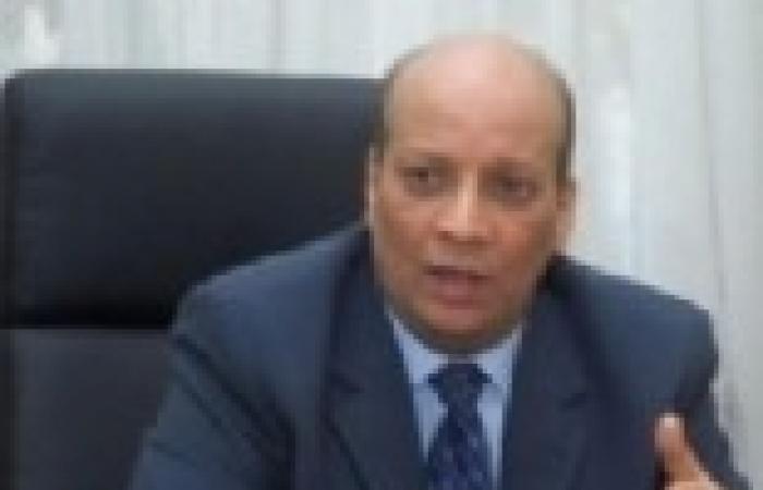 """سفير مصر بالجزائر: أقول لمن يروج لعودة مبارك إلى السلطة """"عقارب الساعة لا تعود إلى الوراء"""""""