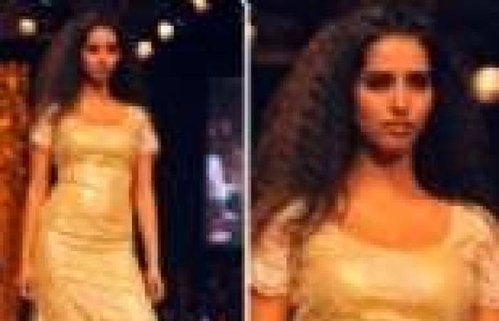 """بالصور  ممثلات بولييود يتنافسن على التألق في أسبوع """"لاكمي"""" للموضة في مومباي"""