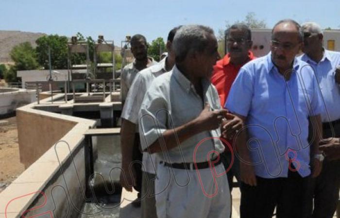 بالصور.. محافظ أسوان يتفقد مراحل تنفيذ مشروع الحل العاجل للصرف الصحى