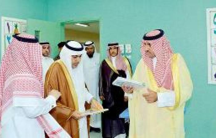 الأمير تركي بن عبدالله يحث الطلاب على النهل من معين العلم