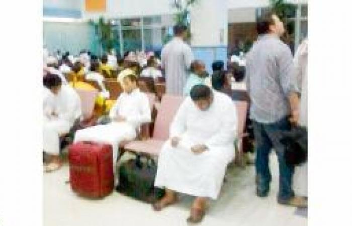 تعطل إطار الطائرة يؤخر رحلة جازان ــ الرياض 12 ساعة