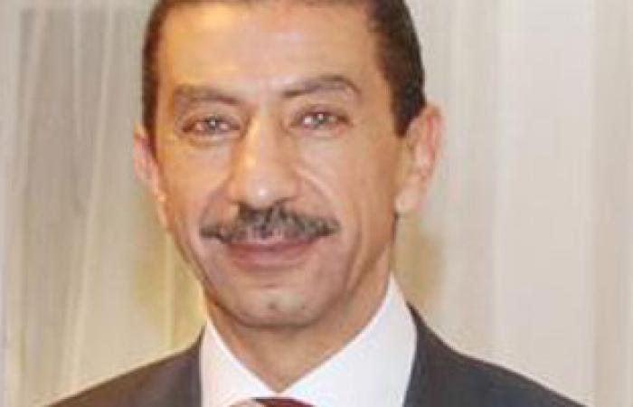 طاهر فرحات يبحث هاتفيا التعاون مع سفير بيرو بالقاهرة