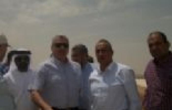 """أيمن أبو حديد في """"توشكى"""": ندرس زراعة 5 آلاف فدان بطريق أبو سمبل"""