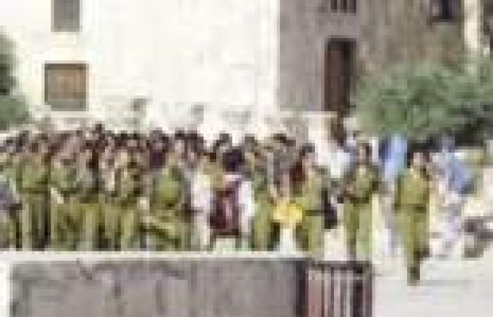 اعتقال زعيم الحركة الإسلامية فى القدس.. وعشرات المتطرفين اليهود يقتحمون المسجد الأقصى