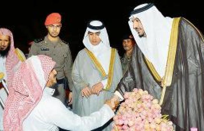نائب أمير القصيم يوجه بمهرجان سنوي لـ «عنب» عيون الجواء