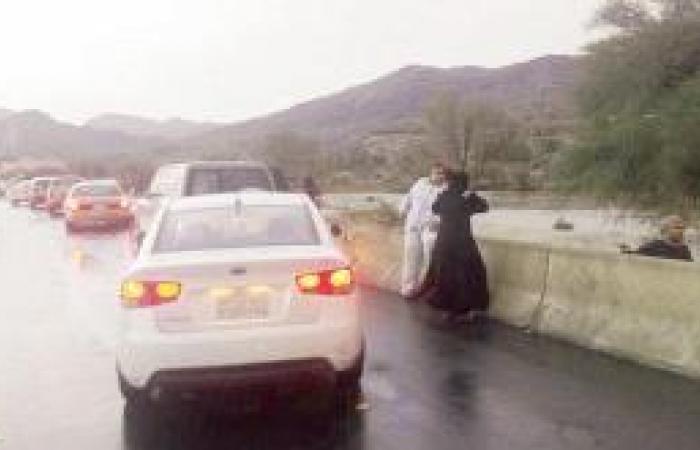 سيول الدائري والشفا تستوقف المتنزهين
