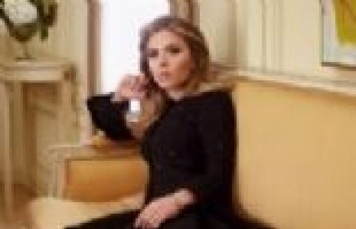 الممثلة الأمريكية سكارليت جوهانسون تعلن خطبتها لصحفي فرنسي