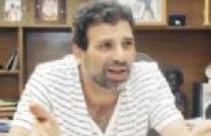 """خالد يوسف لرئيس لجنة الخمسين: """"ما كلناش من الصبح.. محتاجين كافتريا"""""""