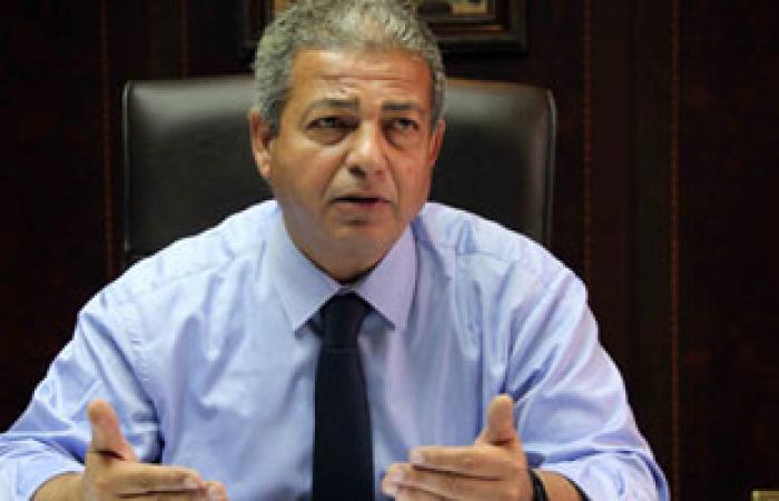 ولى أمر سباح عالمى يناشد وزير الشباب بمنحه درجاته الحقيقية فى البطولة