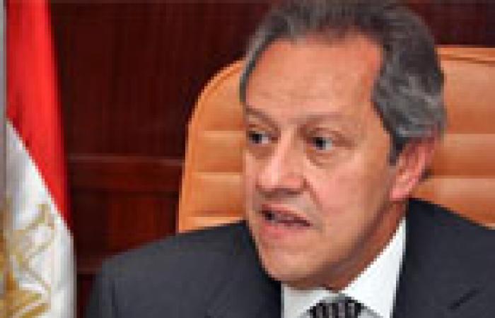 فخري عبد النور: لا تمييز بين رجال الأعمال.. والوزارة تحتاج لإعادة تنظيم