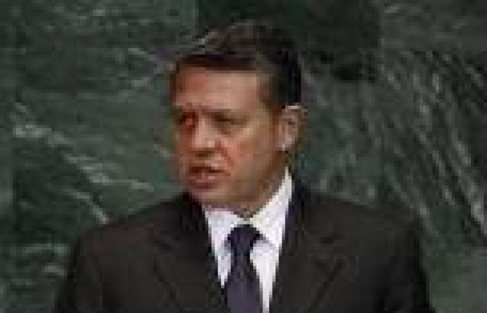 بالفيديو.. نائب أردني يطلق النار على زميله تحت قبة البرلمان