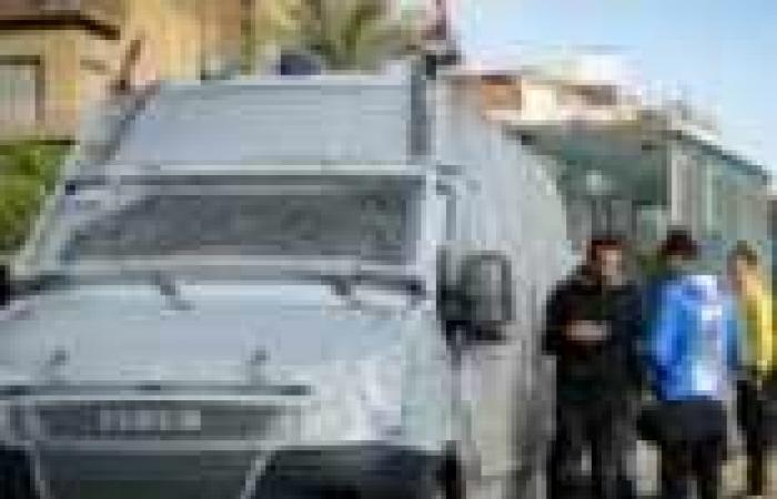 """قوة من الشرطة المصرية تطلب الاطلاع على تراخيص قناة """"TRT"""" التركية"""