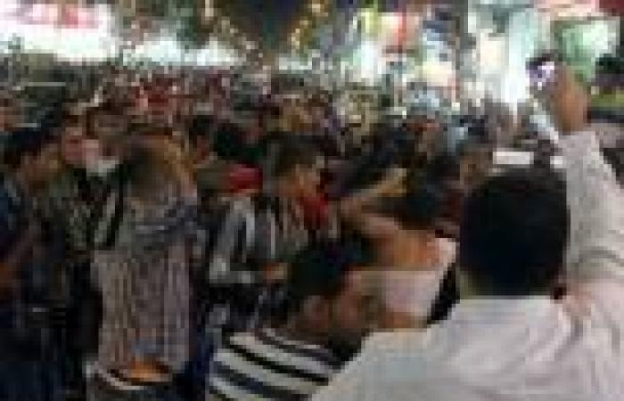 بالصور.. وقفة لأنصار مرسي بميدان طلعت حرب تتحول لاشتباكات مع الأهالي