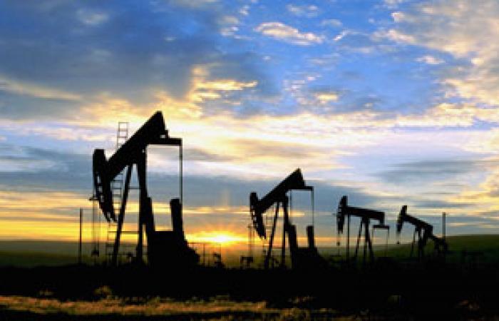 وزير النفط الإيرانى يغير كبار المسئولين فى القطاع