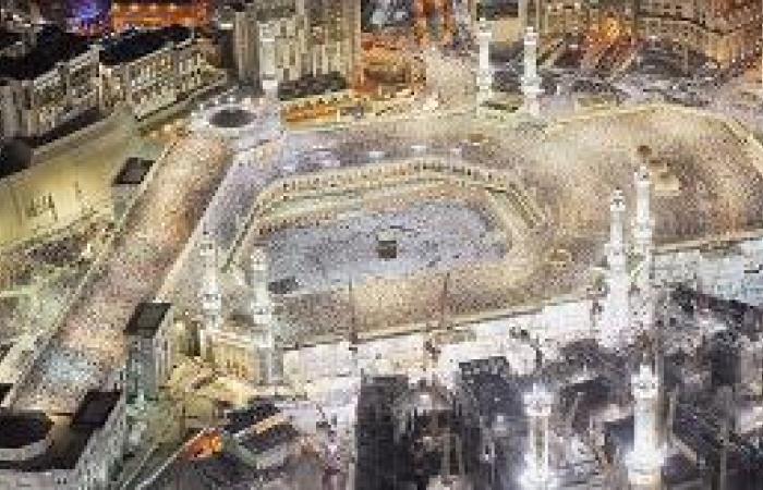 تطييب المسجد الحرام بالعود 3 مرات يوميا