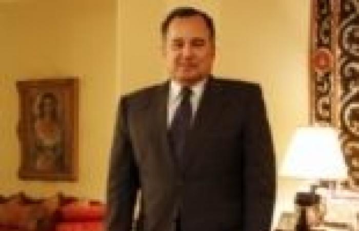 سفير مصر في أبو ظبي يلتقي المصريين الموقوفين أمنياً