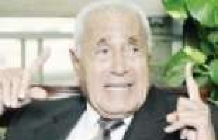 «هيكل»: «السيسى» شعر باليأس من «مرسى» فاجتمع مع مكتب الإرشاد.. و«الشاطر» هدده بعمليات إرهابية