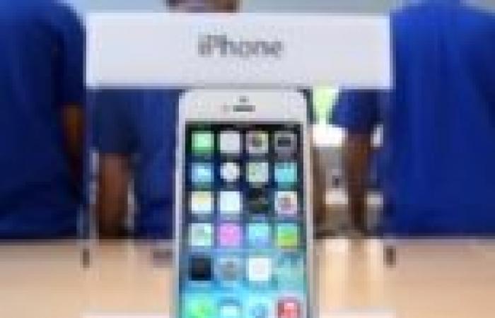 """""""آبل"""" تحقق رقمًا قياسيًا ببيع 9 ملايين هاتف """"iphone s5"""" خلال أسبوع"""