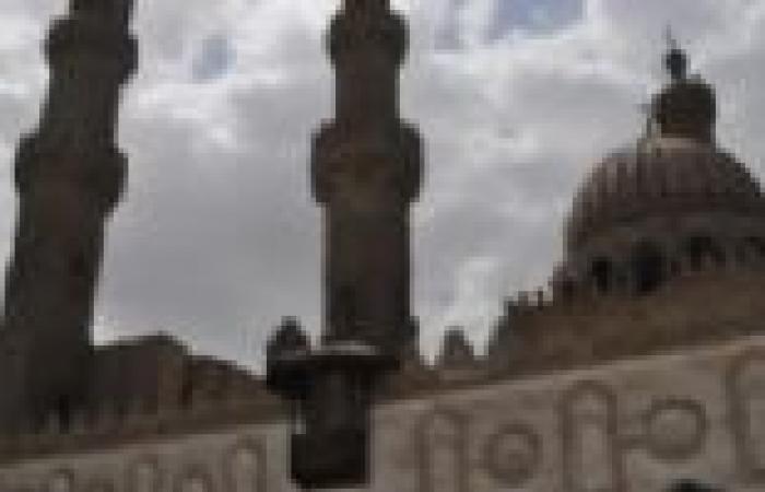 مجمع البحوث الإسلامية بالأزهر يحذر من آيات قرانية محرفة على تطبيقات تكنولوجية