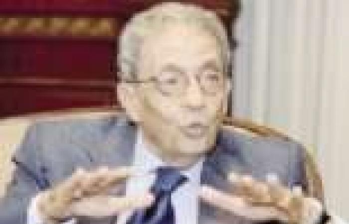 عمرو موسى يلتقي رئيس حزب النور في اجتماع مغلق