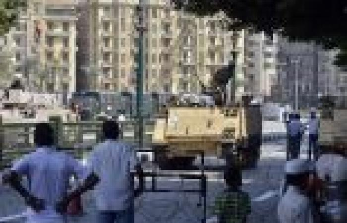 لأول مرة.. قوات الشرطة تضع بوابات إلكترونية لتفتيش الوافدين على ميدان التحرير