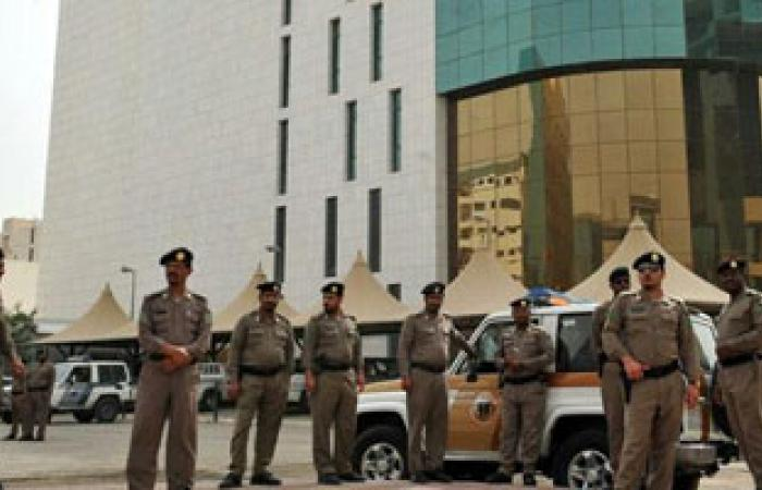 حرس الحدود السعودى يلقى القبض على 3 من مهربى المخدرات اليمنيين