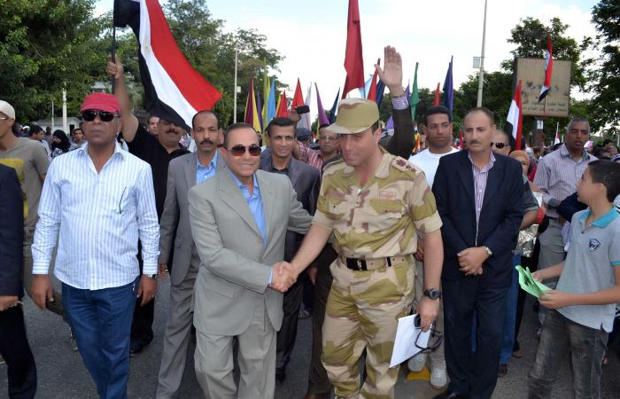 الجيش يقبض على 3 ملثمين إخوان حاولوا اقتحام احتفالات نصر أكتوبر