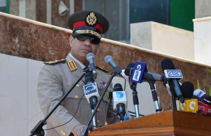 """حضور حفل القوات المسلحة بذكرى أكتوبر يستمعون لكلمة """"السيسي"""" بإنصات"""