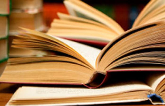 اتحاد ألسن عين شمس يطلق حملة جمع الكتب والقواميس القديمة
