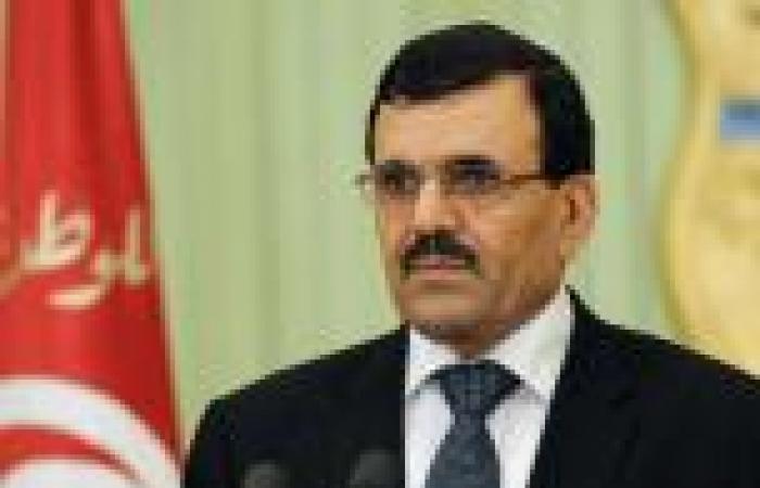رئيس وزراء تونس: الشرطة قتلت 10 إسلاميين مسلحين في مواجهات